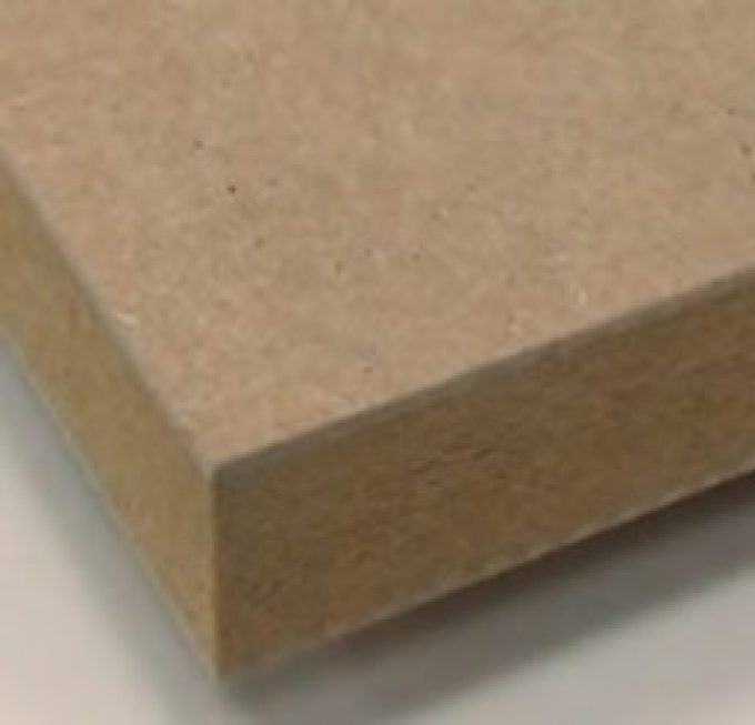 Plain and melamine-faced medium density fibreboards (MDF)