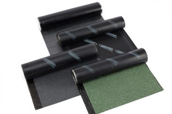 Waterproofing systems with bituminous sheet
