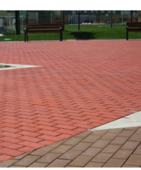 Ceramic pavers according to the UNE-EN 1344 Standard.